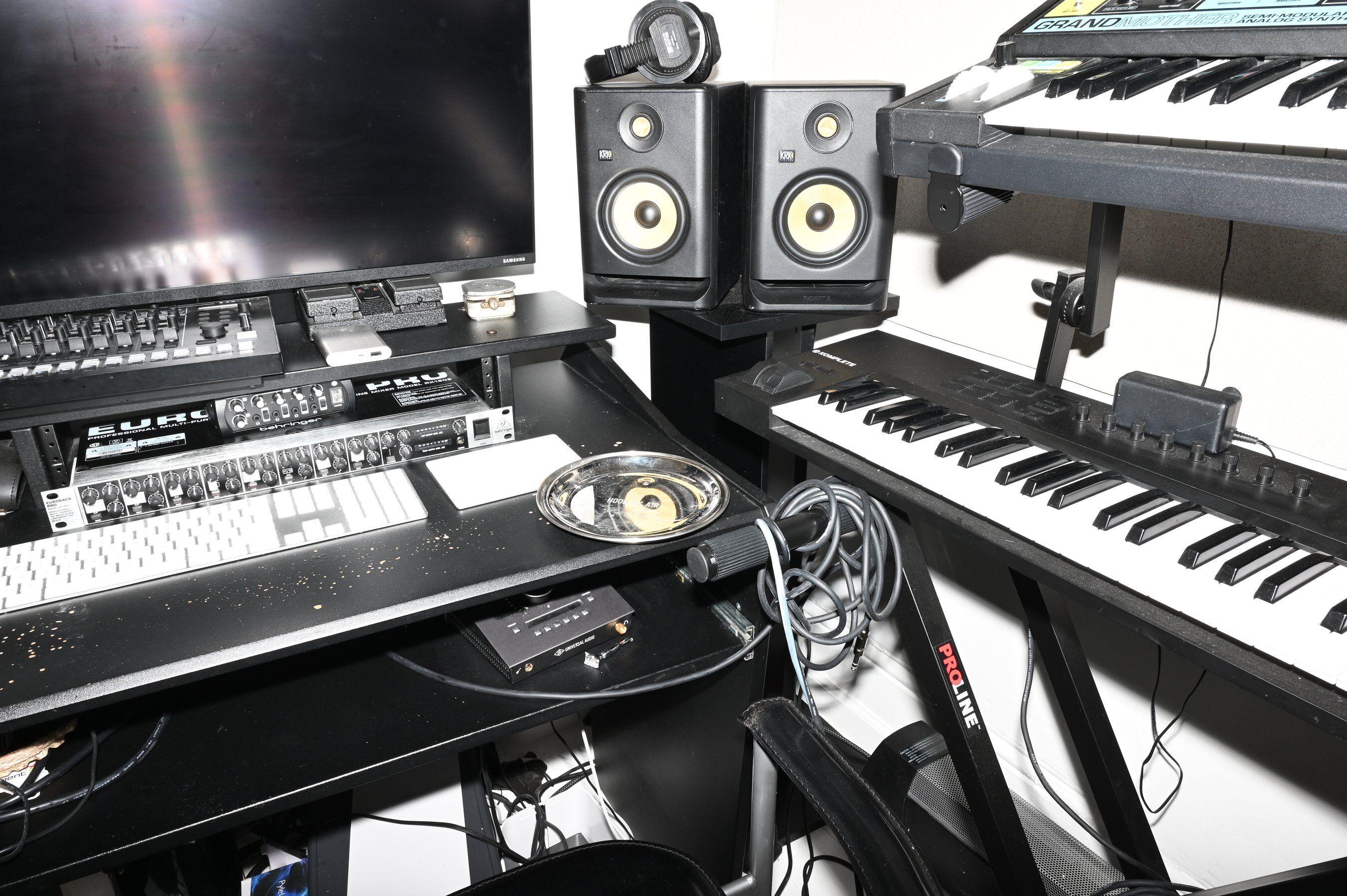 designer Shayne Oliver music studio